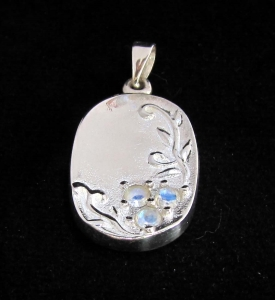 Picture of 21 x STERLING SILVER FLOWER PENDANTS WITH 3 ROUND CUT BLUE FIRE MOONSTONES WHOLESALE-LOT
