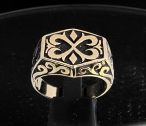 Picture of 21 x BRONZE MEN'S SIGNET RINGS CELTIC ORNAMENTAL CREST CROSS ANTIQUED WHOLESALE-LOT