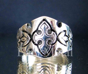Picture of 21 x STERLING SILVER BAND RINGS TEMPLAR KNIGHT CROSS LILY 2 WHOLESALE-LOT