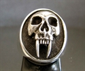 Picture of 21 x OVAL STERLING SILVER RINGS VAMPIRE SKULL WITH LONG TOOTH TWILIGHT WHOLESALE-LOT