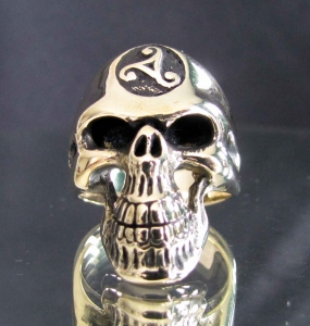 Picture of 21 x BRONZE MEN'S RINGS SKULL WITH CELTIC WATER TRIAD INFINITY WHOLESALE-LOT