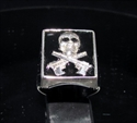 Picture of 21 x STERLING SILVER HITMAN SIGNET RINGS SKULL WITH CROSSED AUTOMATIC GUNS BLACK WHOLESALE-LOT