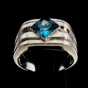 Picture of 21 x CLASSIC MEN'S STERLING SILVER RINGS WITH BLUE PRINCESS CUT CUBIC ZIRCONIA WHOLESALE-LOT