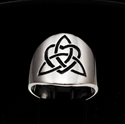 Picture of 21 x ROUND STERLING SILVER BAND RINGS CELTIC TRINITY KNOT WITH HEART BLACK WHOLESALE-LOT